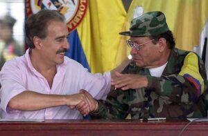 Presidente Colombia Andres Pastrana e Leader FARC Manuel Marulanda