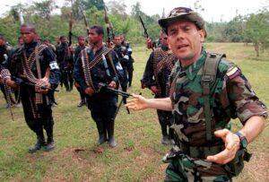 Carlos Castaño leader paramilitare Colombia narcos mercenari guerriglia
